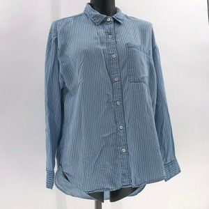 Forever 21 chambray striped button up top sz M